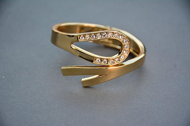 【煮え切らない男に逆プロポーズ】もう結婚しよーよー!