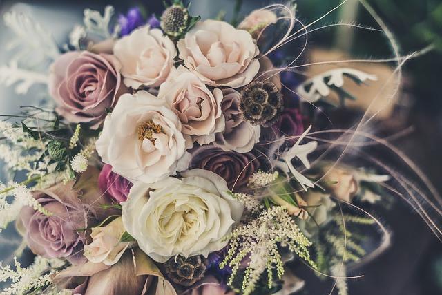 【二人の出会い】嫁に一目ぼれ・同棲・別れ→ 元嫁と結婚・息子1人・離婚→ 嫁と結婚