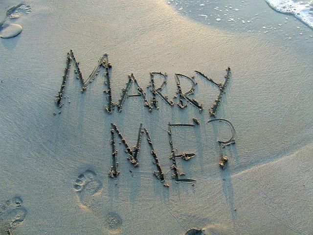 【二人の出会い】中高同じ学校。高校卒業のとき告白したが、嫁「ごめんなさい」。ところが、次の日・・・