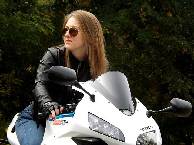 【愛してる】俺の後ろ専門だった嫁がバイクの免許をとり、二人で北海道ツーリング「感激した」