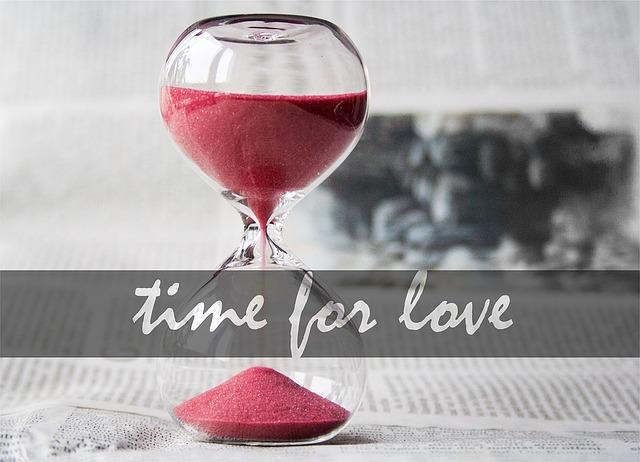 【愛してる】結婚10年目、子供3人。「愛してる」中々言えず、失敗…失敗。で逆に嫁が「愛してるのー」って