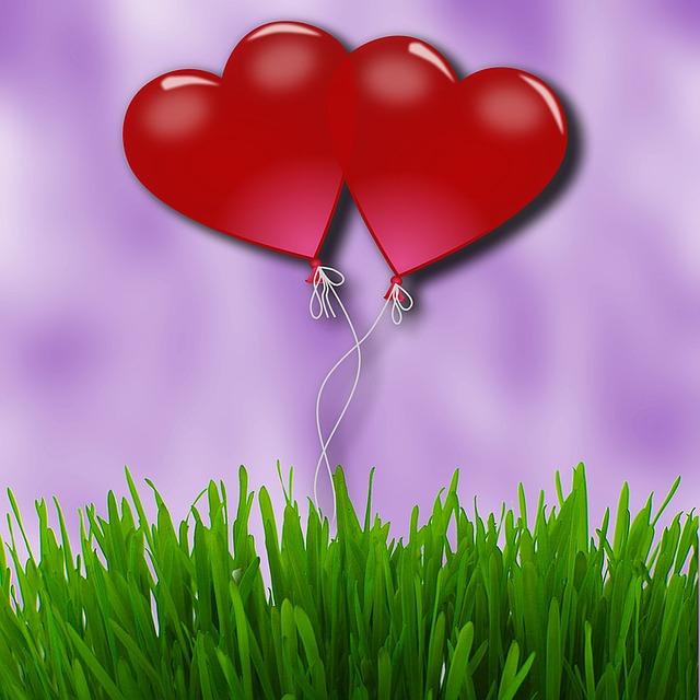 【愛してる】「いつもありがとう。愛してる。凄く凄く愛してる」 と言ったら俺の方が泣けてきた。
