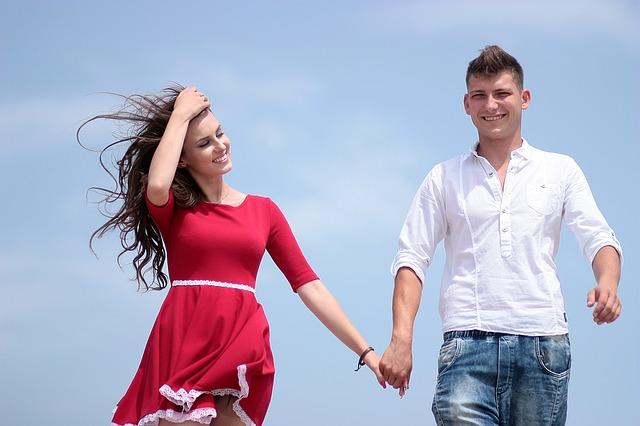 【二人の出会い】従姉(嫁)に連れられラブホで思い出づくり。恋愛経験なしの俺ドキドキ・・・