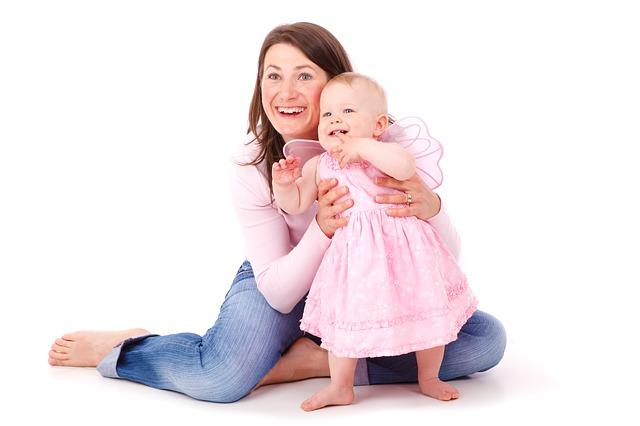 【愛してる】俺「ママおめでとう、愛してるよ」、嫁に大きな花束、おなかの子に小さな花束を・・・