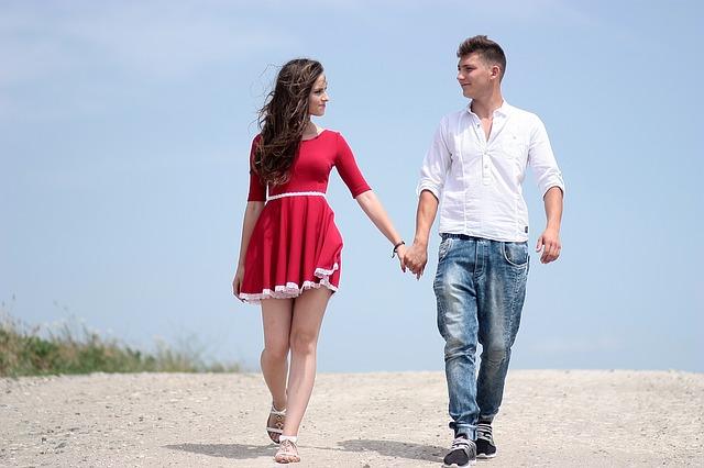 【二人の出会い】20代の男女が何もせずに2ヶ月、3ヶ月目にキス、その1ヶ月後にようやく・・・