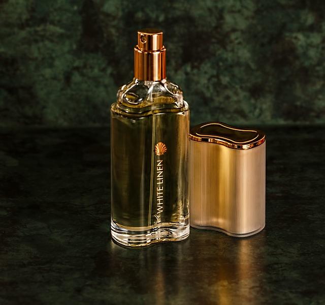 【愛してる】プレゼントは香水に決めました。嫁はファブリーズや芳香剤が大好きなので、香りで攻めてみましたが…
