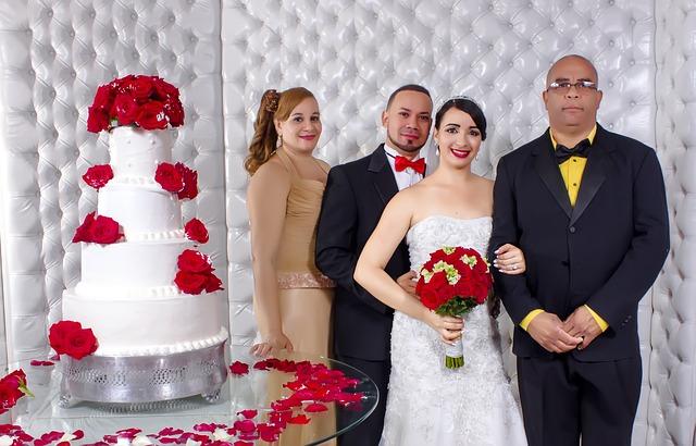 【二人の出会い】嫁は母子家庭。嫁母に結婚の挨拶と思ったら、嫁「まず、お父さんに会って」って…