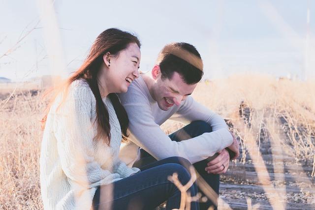 【恋を語る】公園のベンチで彼が私にキス、もうとろけそう。そして彼の手が私の服の中に…