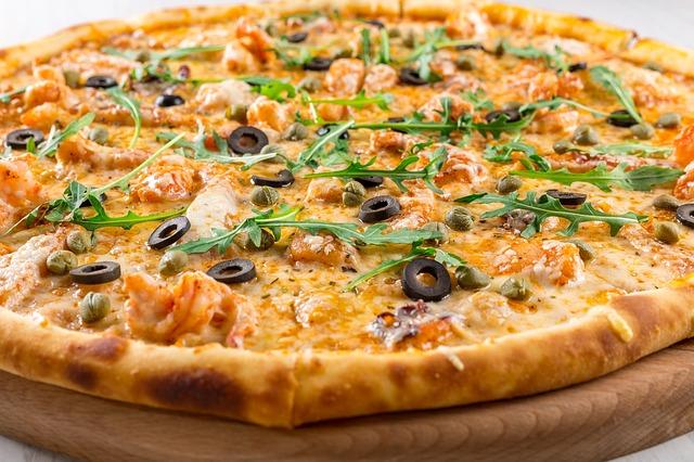 【びっくりポン】注文したピザにビニール混入。店員に「これ、やばいっすよっ」すると…