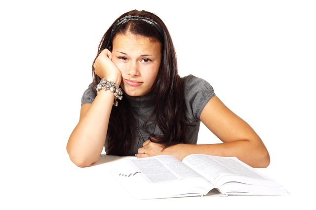【びっくりポン】大学入試中に腹痛。卵巣炎?まだ純粋なのに産婦人科の内診台に乗せられ…