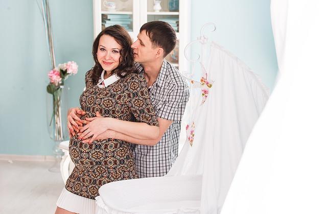 【衝撃】妊娠して彼実家が産婦人科だと知った。義父にオマタ開帳なんて死んでも嫌、イボ痔だし