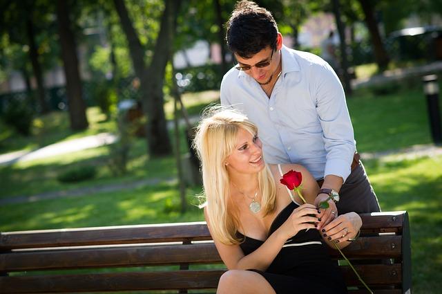 【二人の出会い】嫁との出合いはニコ生。一度告白するも粉砕され、やれればラッキーで再告白…
