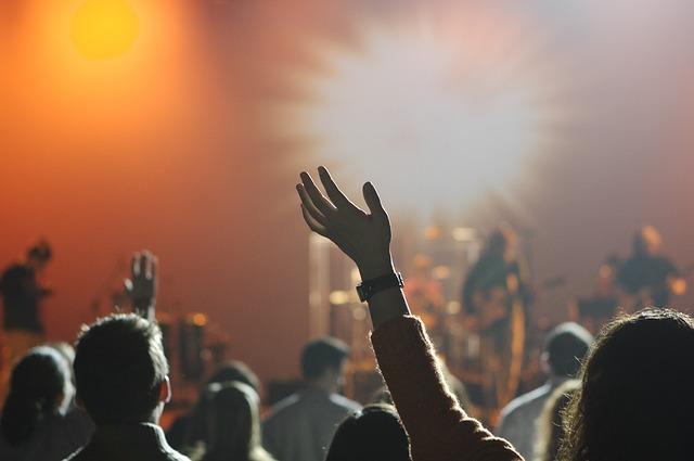 嵐のコンサートに行ったのが義兄嫁にばれた。激しく泣かれてしまってうんざりしてる…