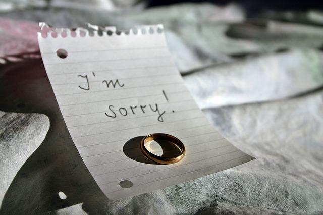 【びっくりポン】開いていた指輪の箱を閉じてから投げ付けたのが、最後の私の優しさだわ。