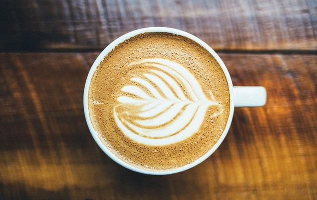 【びっくりポン】嫁の贅沢って、500円位のコーヒーをスタバで月1~2回飲む程度…(笑)