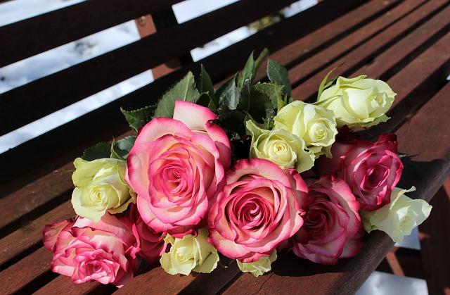 元カレの浮気癖にうんざりして別れたが、私の誕生日に元カレからバラの花束が届いた…