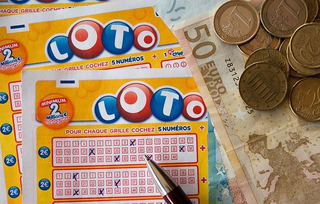 【びっくりポン】彼氏が当てた宝くじ3000円?を狙った同僚女子に彼氏を奪われた…